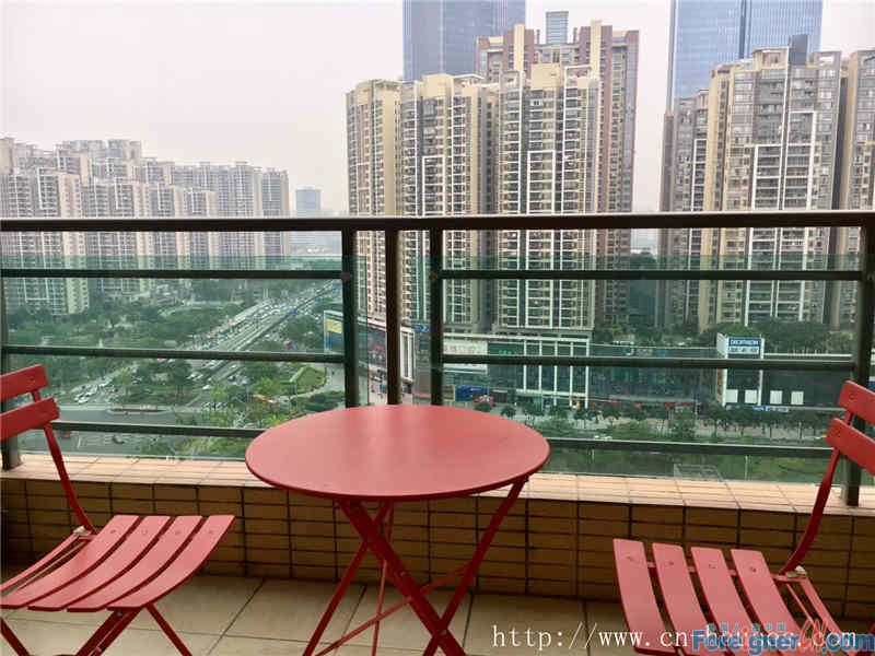 3brs,fully furnished, cozy, high floor, new decoration, facing Zhujiang Park, near the subway station.