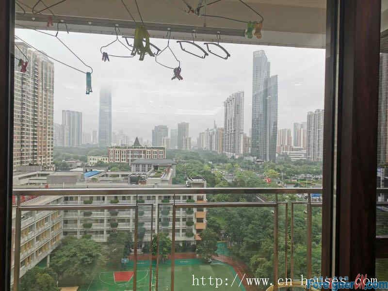 Morden 4brs,fully furnished, cozy, high floor, new decoration,near the subway station.