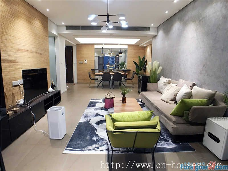 cozy 3brs in liede of CBD area, fully furnished, hight floor, have a good city view.