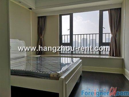 Poly Central Mansion 3 bedrooms Apartment For Rent