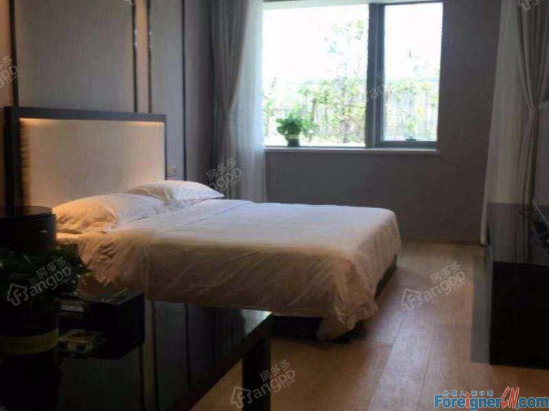 Amazing!HLCC Apartment 1 bedroom- well-located-furnished spacious-floor heating-lake view-luxury decoration feel like home