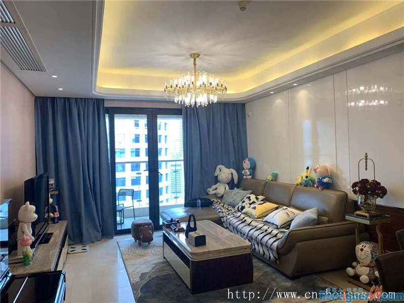 nice 3brs in Zhujiang New Town, fully furnished, nearby the metro station.