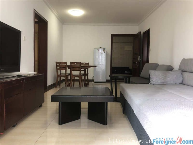 3Brs, fully furnished, bright and clean,  super convenience, nearby the metro station.