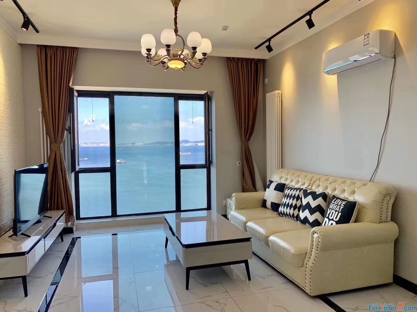 2 bed apartment for rent in Donggang CBD,Zhongshan.