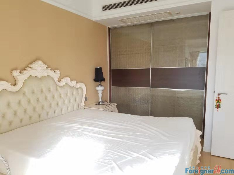 1 bed apartment for rent in ETON,CBD of Zhongshan.