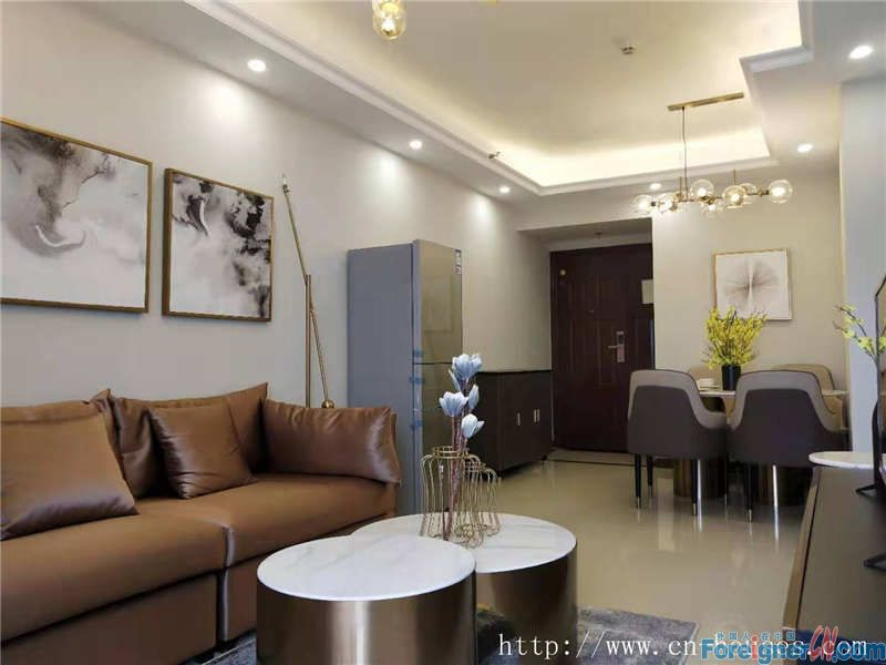 Cozy 2brs, fully furnished, nearby the Pazhou metro station and the Canton fair pavilion.