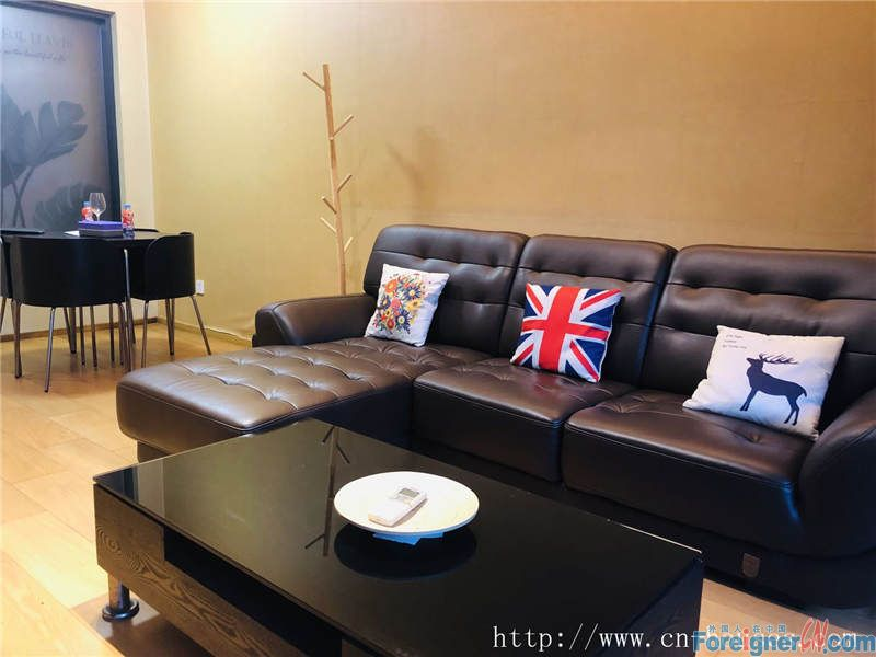 nice 3brs in Zhujiang New Town, fully furnished, well-maintained, nearby the metro station.