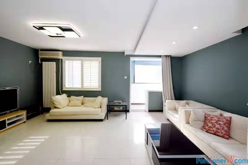 A Redecorated House With 2 Big Brs, Best in Lidong International, the Style You Like Is for Renting ! Good Price 15,000rmb/Month
