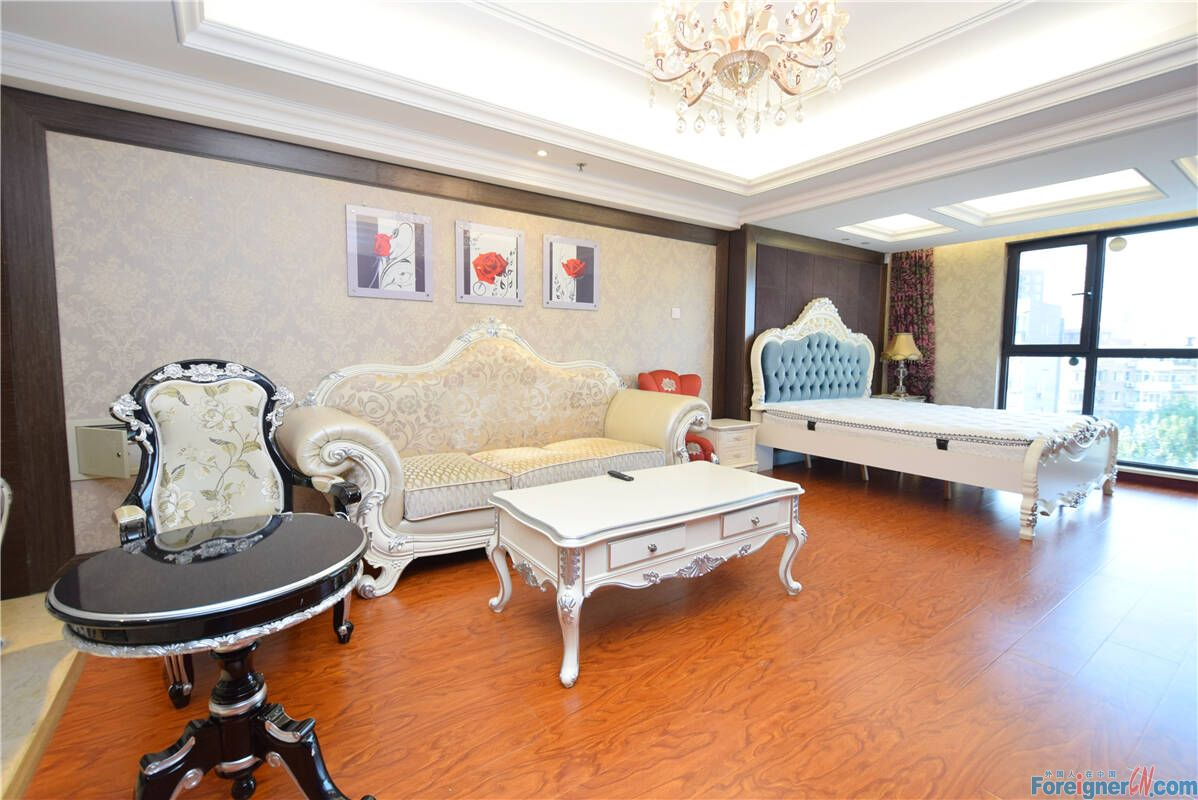 【No.8 in the East, Open Room RENTING】High Quality Open Room, Price 10,000 Rmb per Month