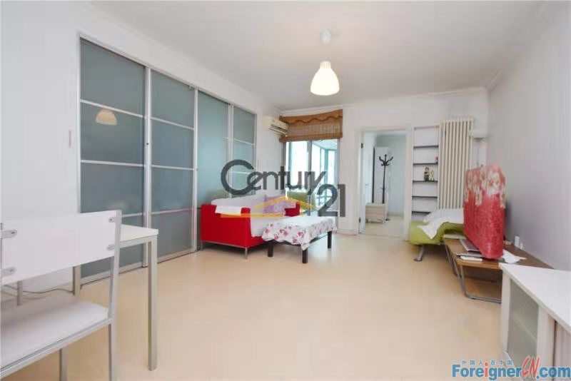 【LANDSCAPE, 2BR HOUSE RENTING】a good situation 88m² 2br house with a balcony, price 9,000RMB per month