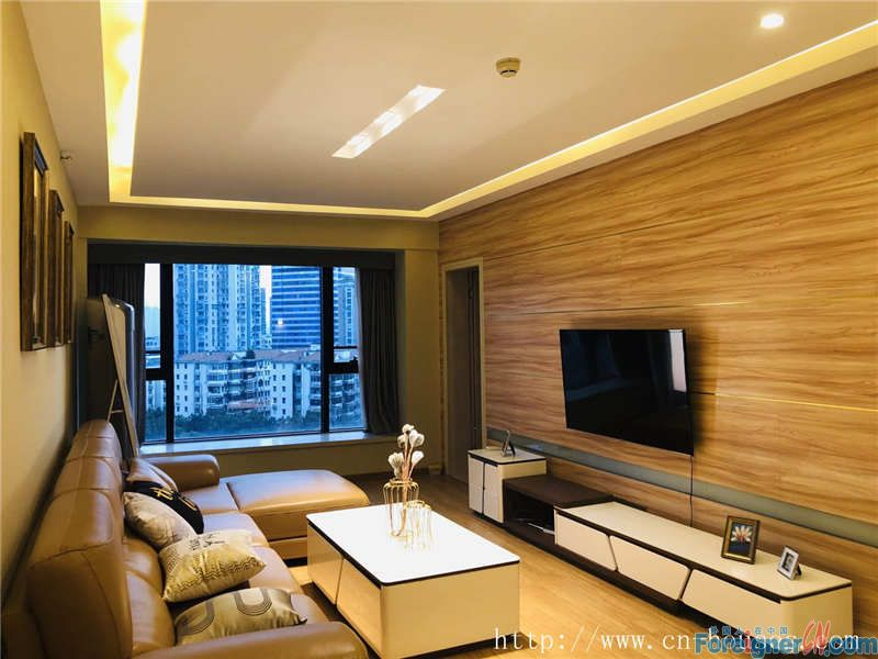 nice 3brs in Zhujiang New Town, fully furnished, newly renovated,nearby the metro station.