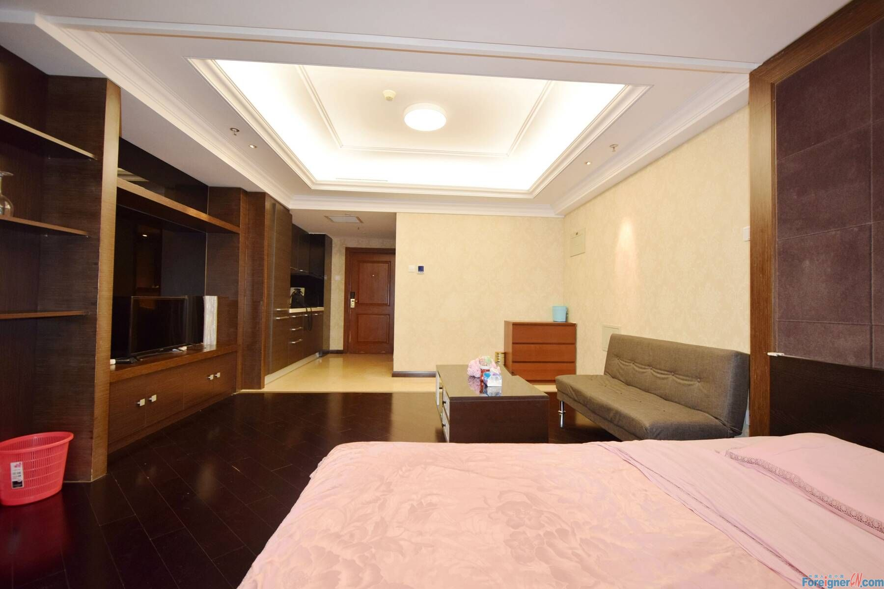 【No.8 in the East, Open Room RENTING】High Quality Simple Style Open Room. Any Time Can Be Leased. Price 7,500 Rmb per Month