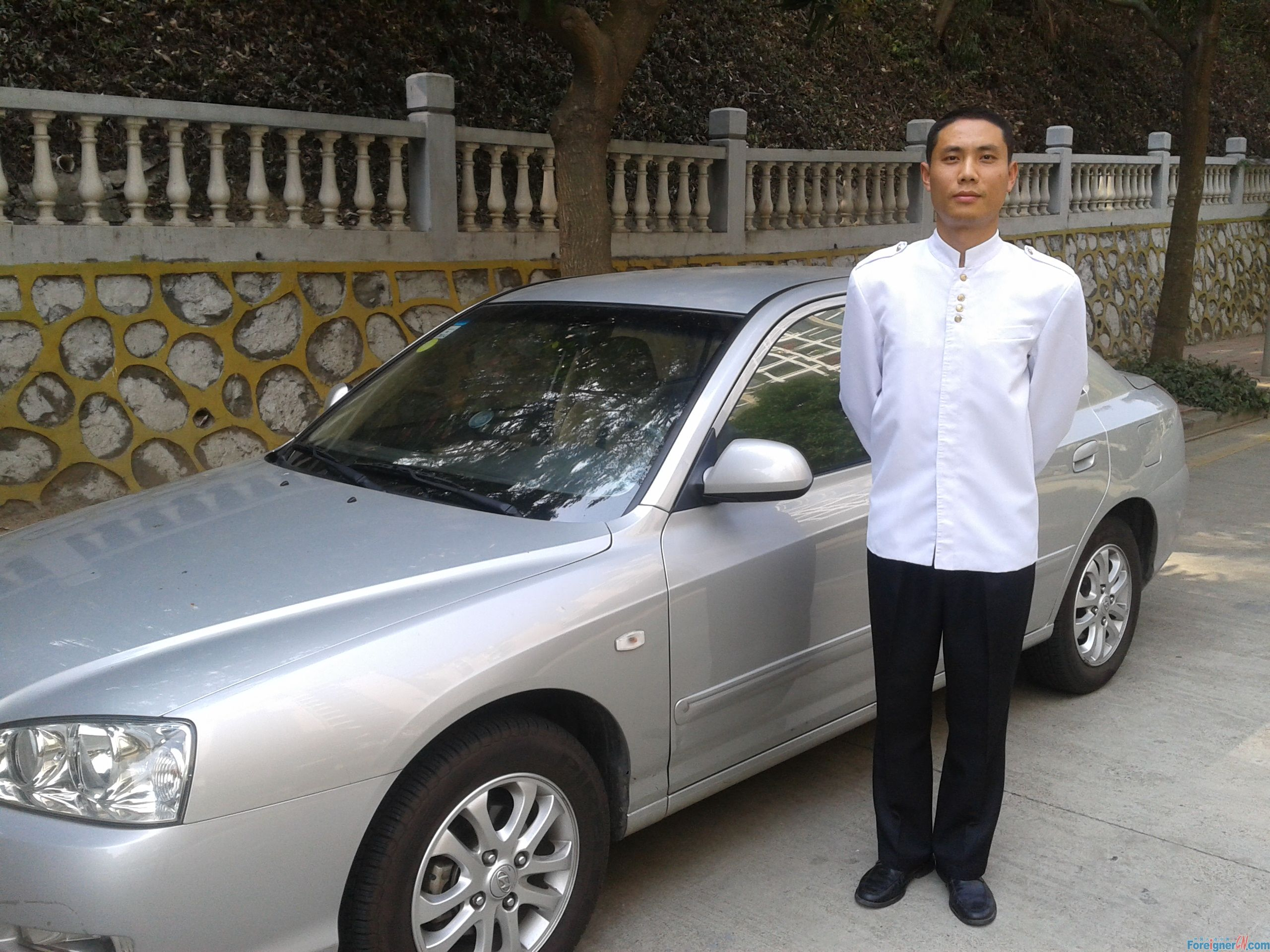 Shenzhen car service with English speak driver