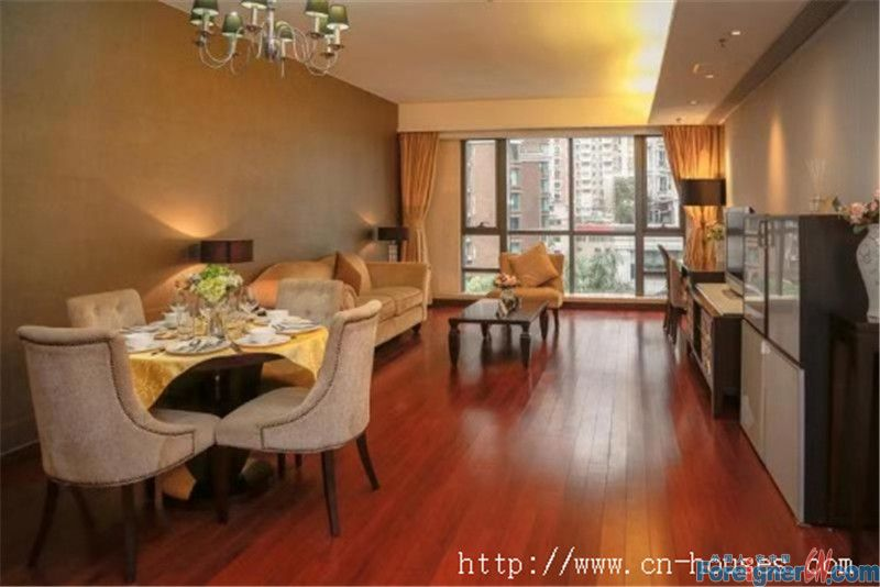 Cozy 2brs, service apartment, fully furnished, nearby the subway station.