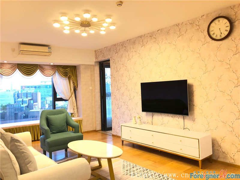 single room, high floor, good city view, modern decoration, fully furnished, nearby the metro station.
