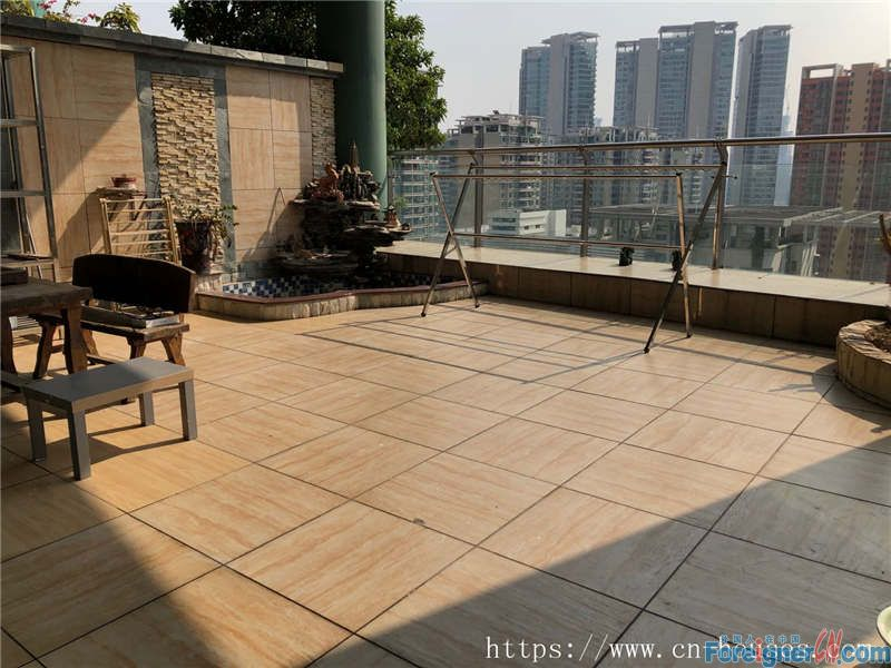 Cozy 3brs, fully furnished, on 22th floor, good city view, sky garden, 3 minutes walking to subway station.