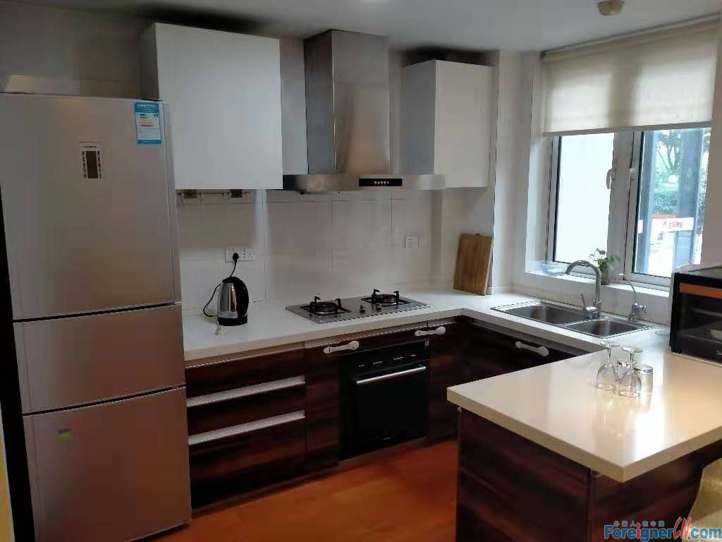 Jinji Lake Garden-spacious-4 bdrs with dishwasher & oven- convenient location with easy access to popular shopping