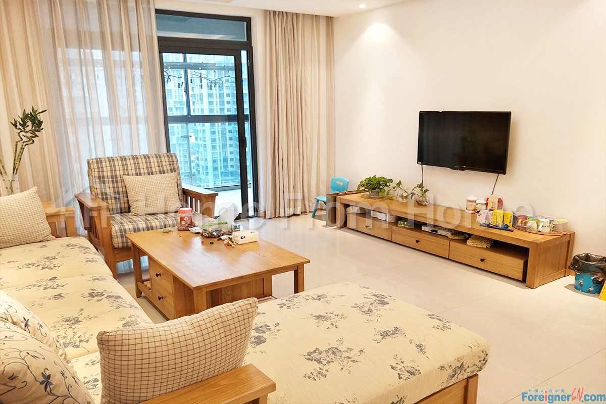 A Baitang No.1/Specious 2 bedrooms Fully-Furnished Apt in exclusive SIP