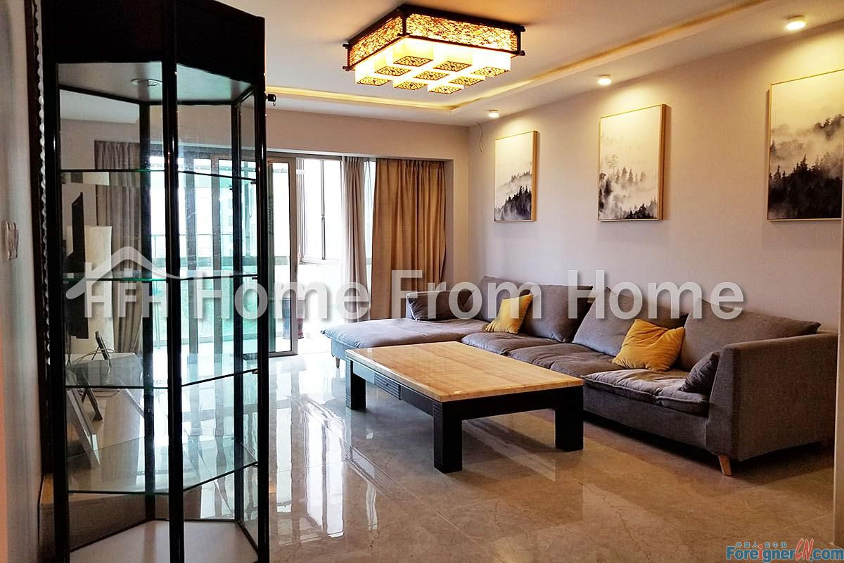 A ​The Lakeview /Fully-Furnished 2 Bdrms Apt/City View Walking Distance to Jinji Lake/ Available Now!!!