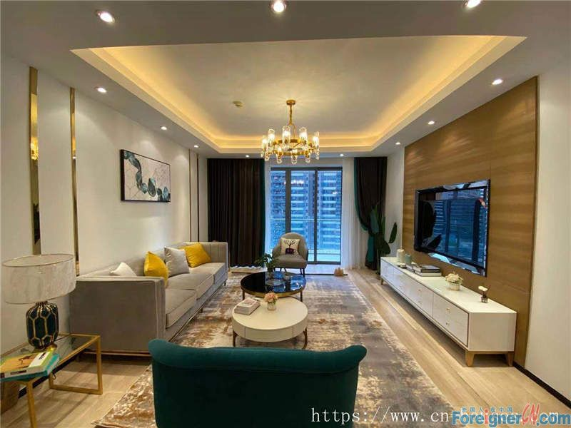 Nice 3brs in Zhujiang New Town, fully furnished, south direction, nearby the metro station.