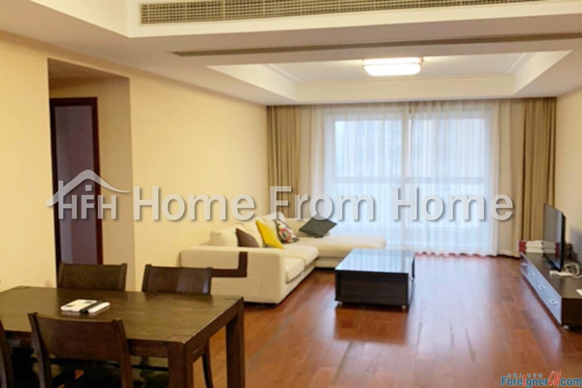 A Moon Bay Spacious 3 bedroom apt with Balcony /Close to Metro