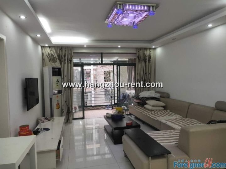 Apartment in Qiu Shui Yuan Nearby Shan Shui Ren Jia for Rent