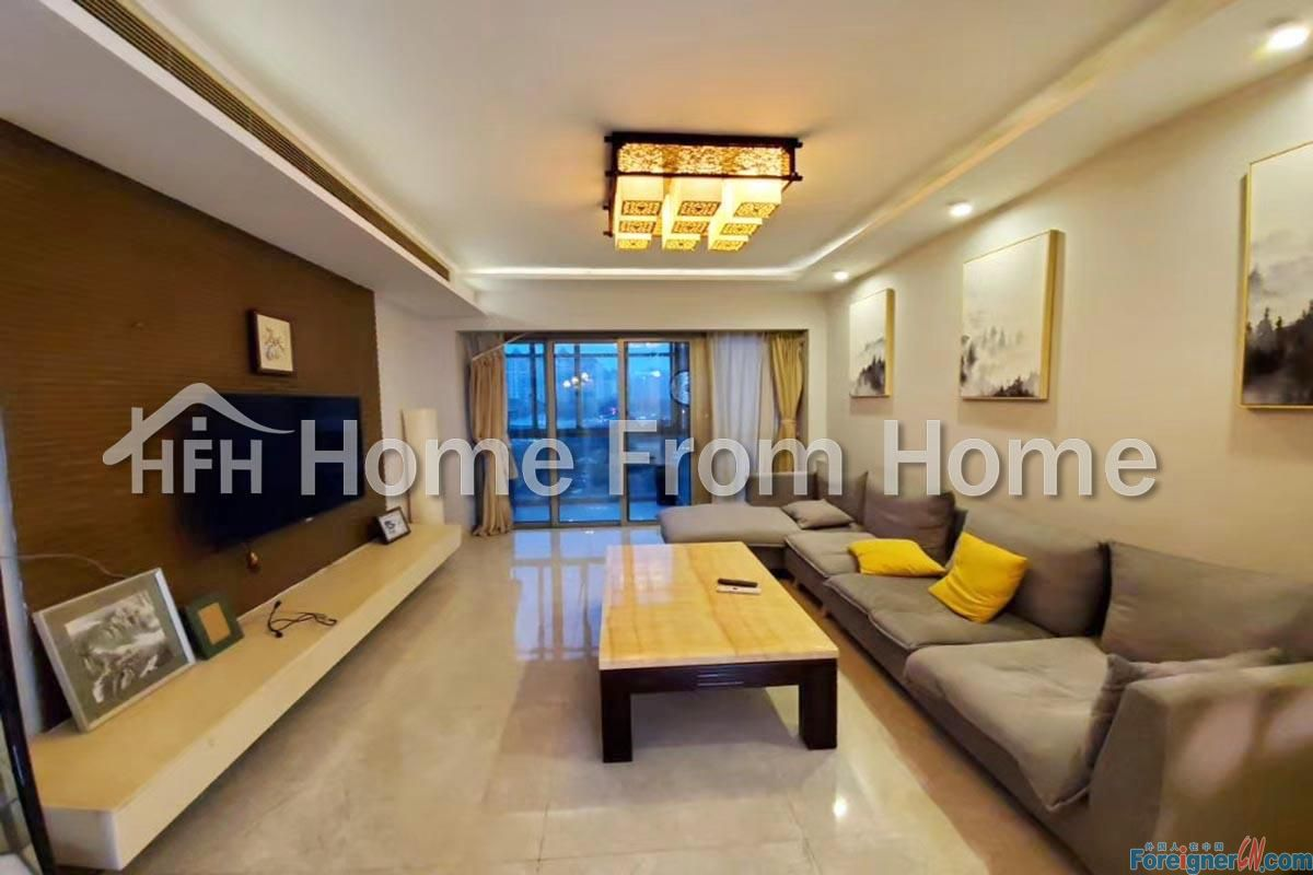 A The Lakeview 2Beds2Bath Apt/Fully Furnished Near Metro/Suzhou SIP/Central Air-Con/Newly Renovated!