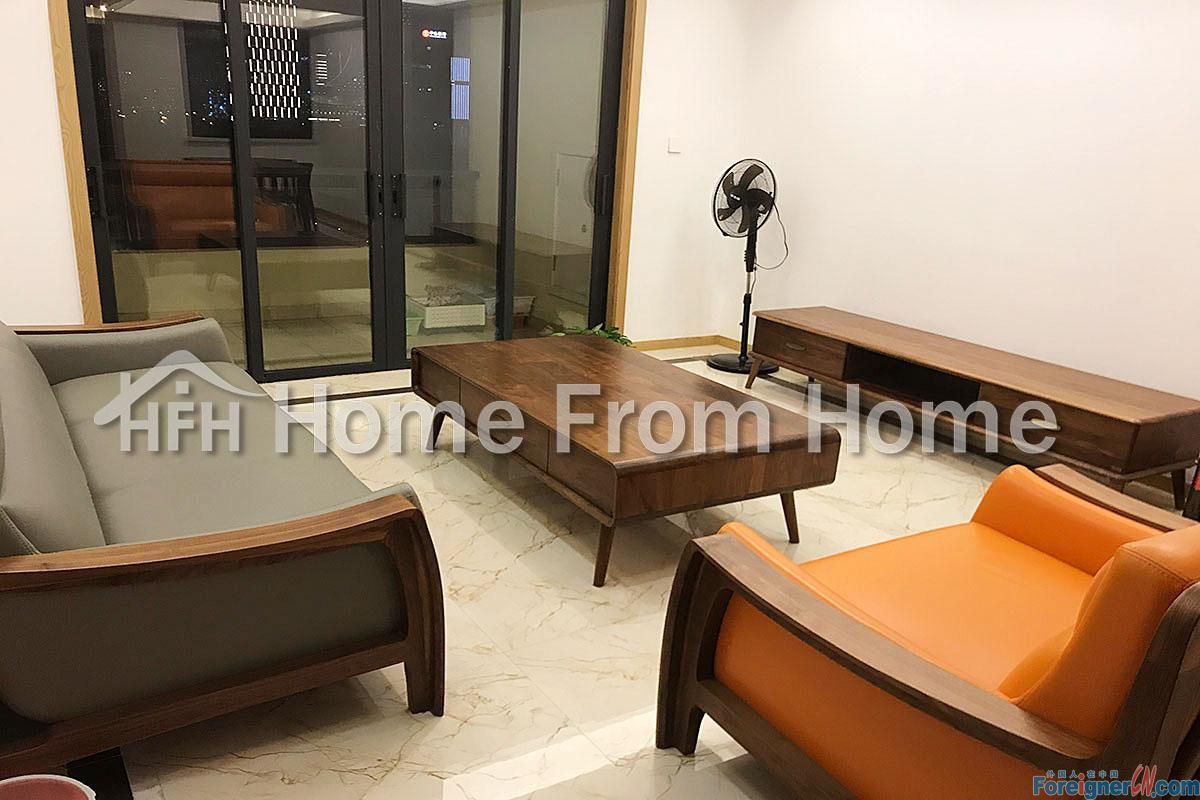 P Baitang No.1 Residence 4 Bedroom Apt/ Central SIP location /Very good condition with High quality furniture/ Contact now to get a exclusive price !!