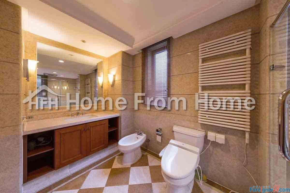 A ​Horizon Resort Phrase 3 Luxurious 5 bedroom Apartment/ Quality furniture Excellent Condition Peaceful Neighbor / Close to Suzhou Center / Available Now!