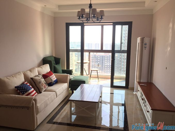 Nearby Subway Line1(ZhongnanJie Station)&Shoppping Mall AEON/3 Bedrooms&1 Bathroom/With Balcony/Concise Decoration/Bright&Cosy&Homely
