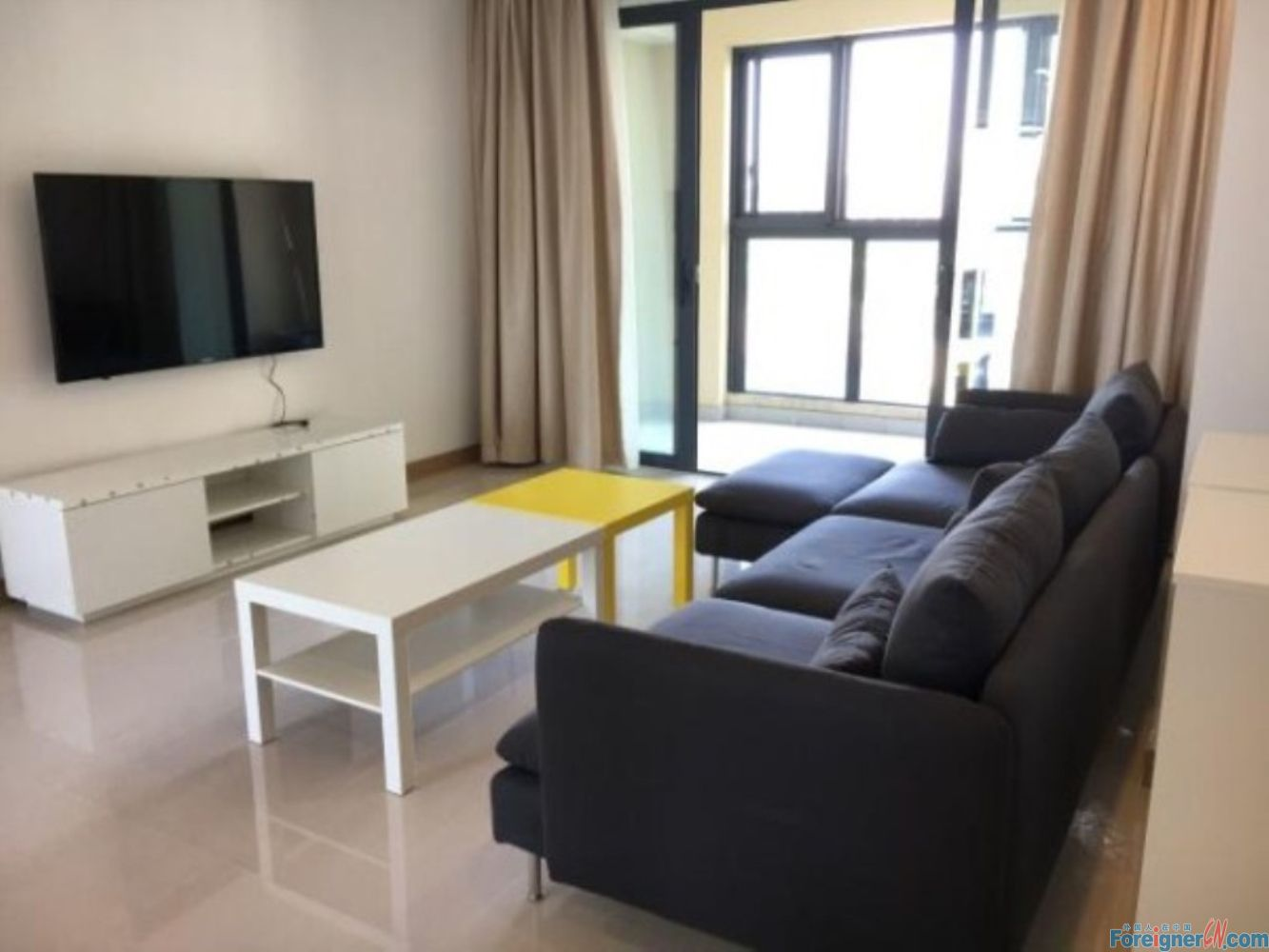 Terrific! Quiet and Clean/Close to Jiulong Hospital and Baitang Park/3 Bedrooms & 2 Bathrooms/With Small Balcony/Well Furnished/Spacious and Homely