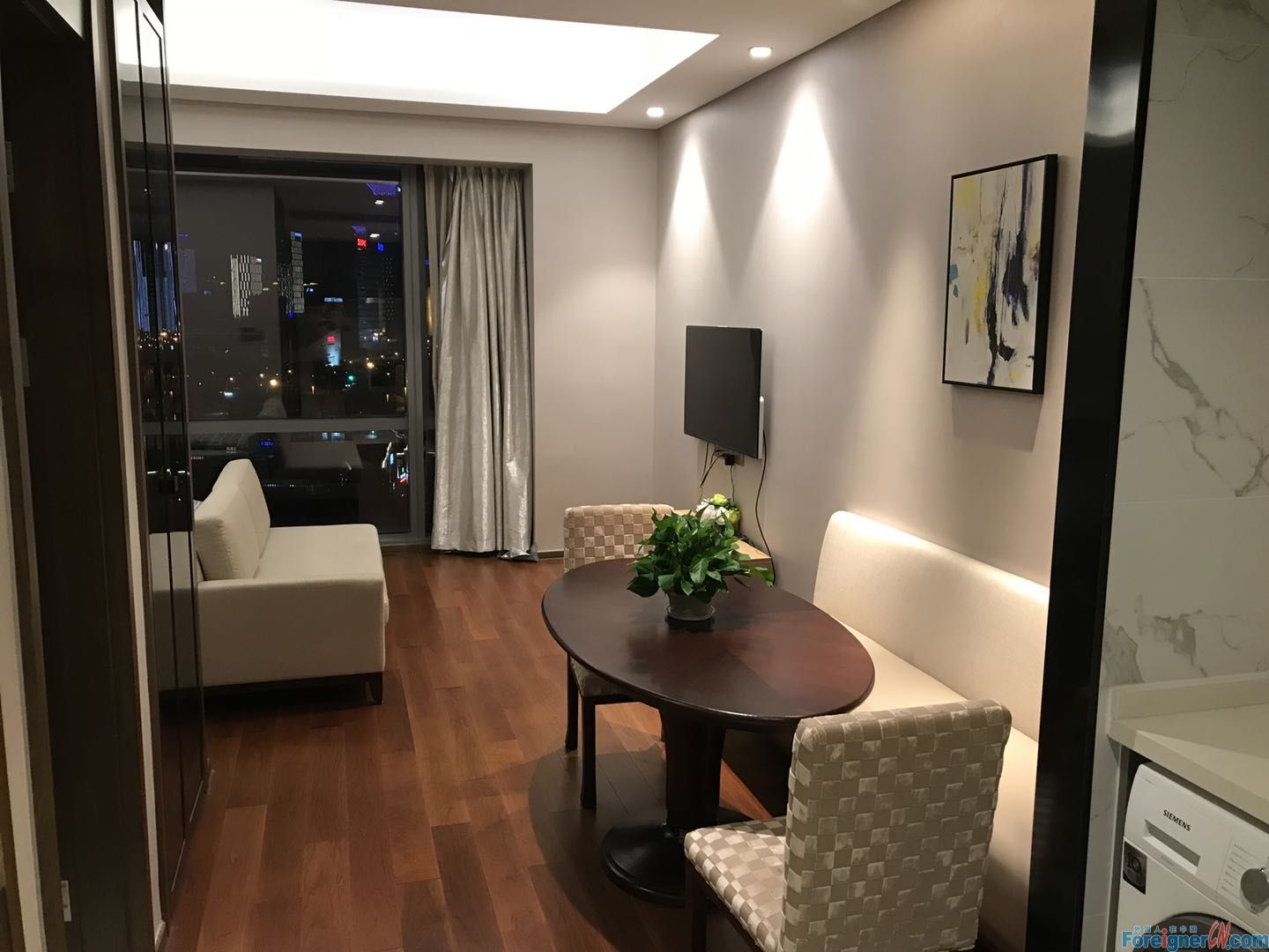 HLCC/Close to Times Square and Subway Line1/1 brd& 1 bath& 1 living room/modern and spacious