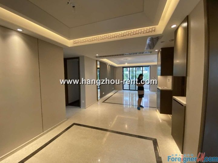 Three Bedrooms Apartment in Four Seasons Garden For Rent