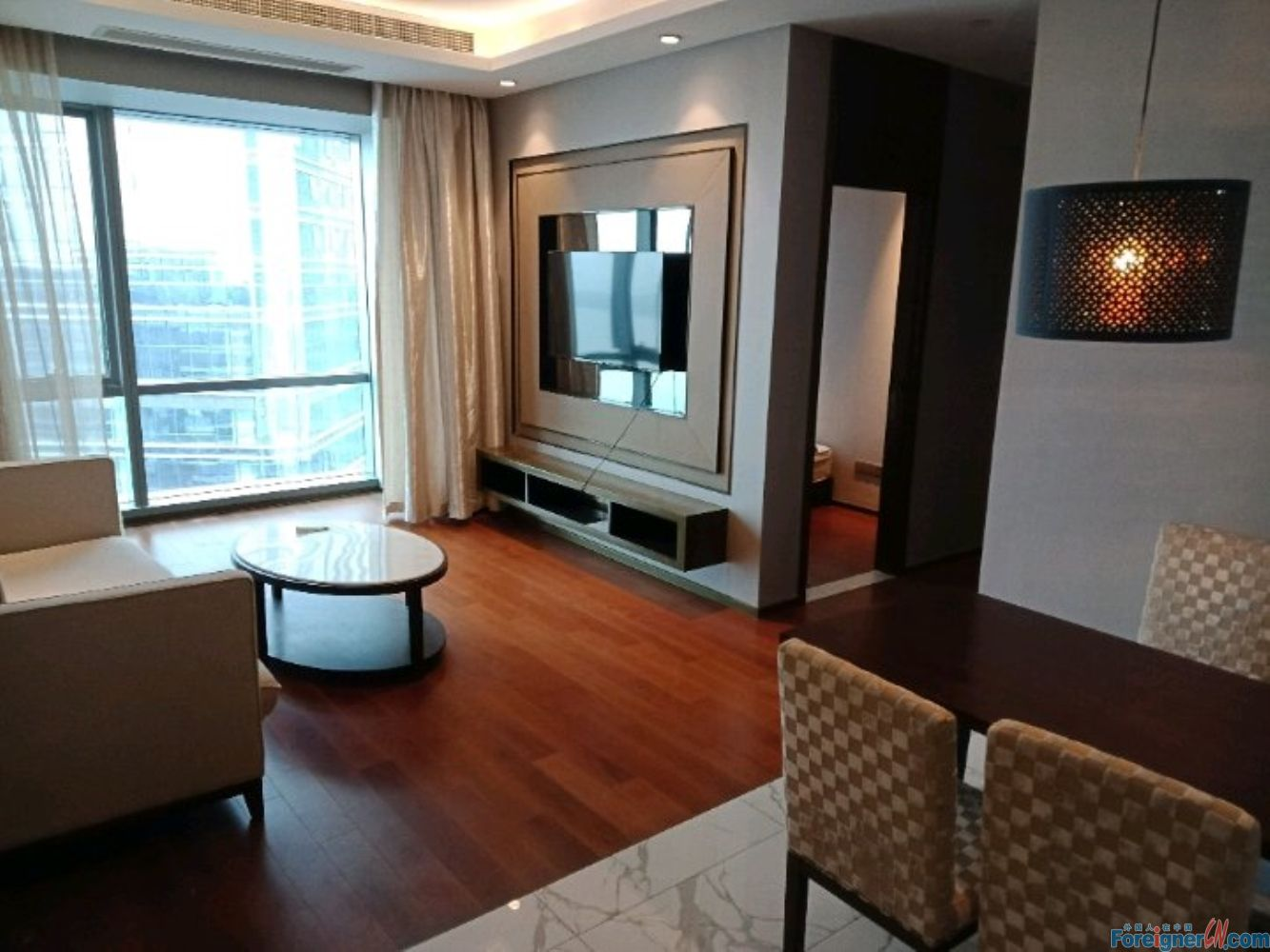 Find an apt in Suzhou-Times Square-lake view-2 bdrs–elegant decoration-high floor-cozy- central AC-convenient traffic