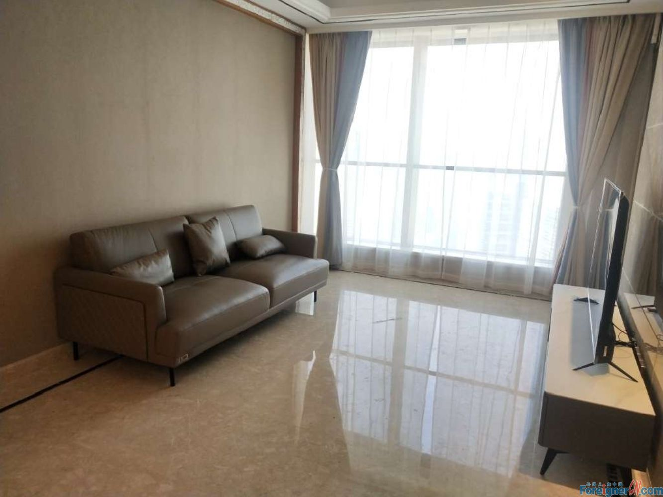Where to live in Suzhou–first rent-central AC–oven-lots of light-heated floor–new furniture-cozy and neat-high floor