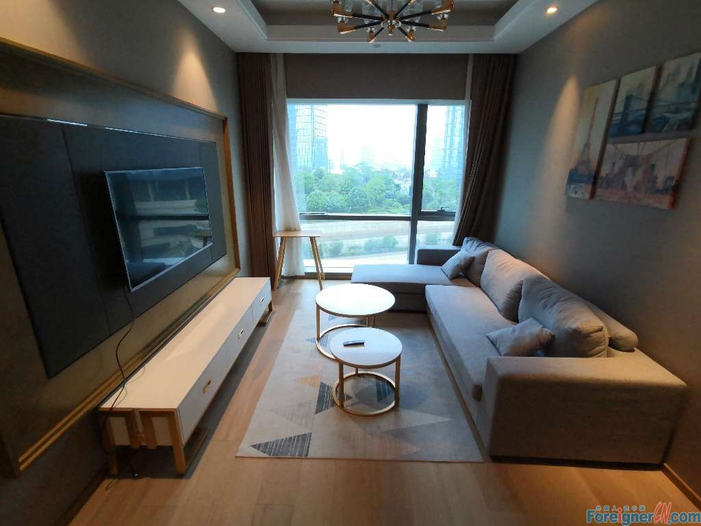 Where to live in Suzhou-Times Square-2 bdrs–cozy and neat- central AC-lots of light-lake view