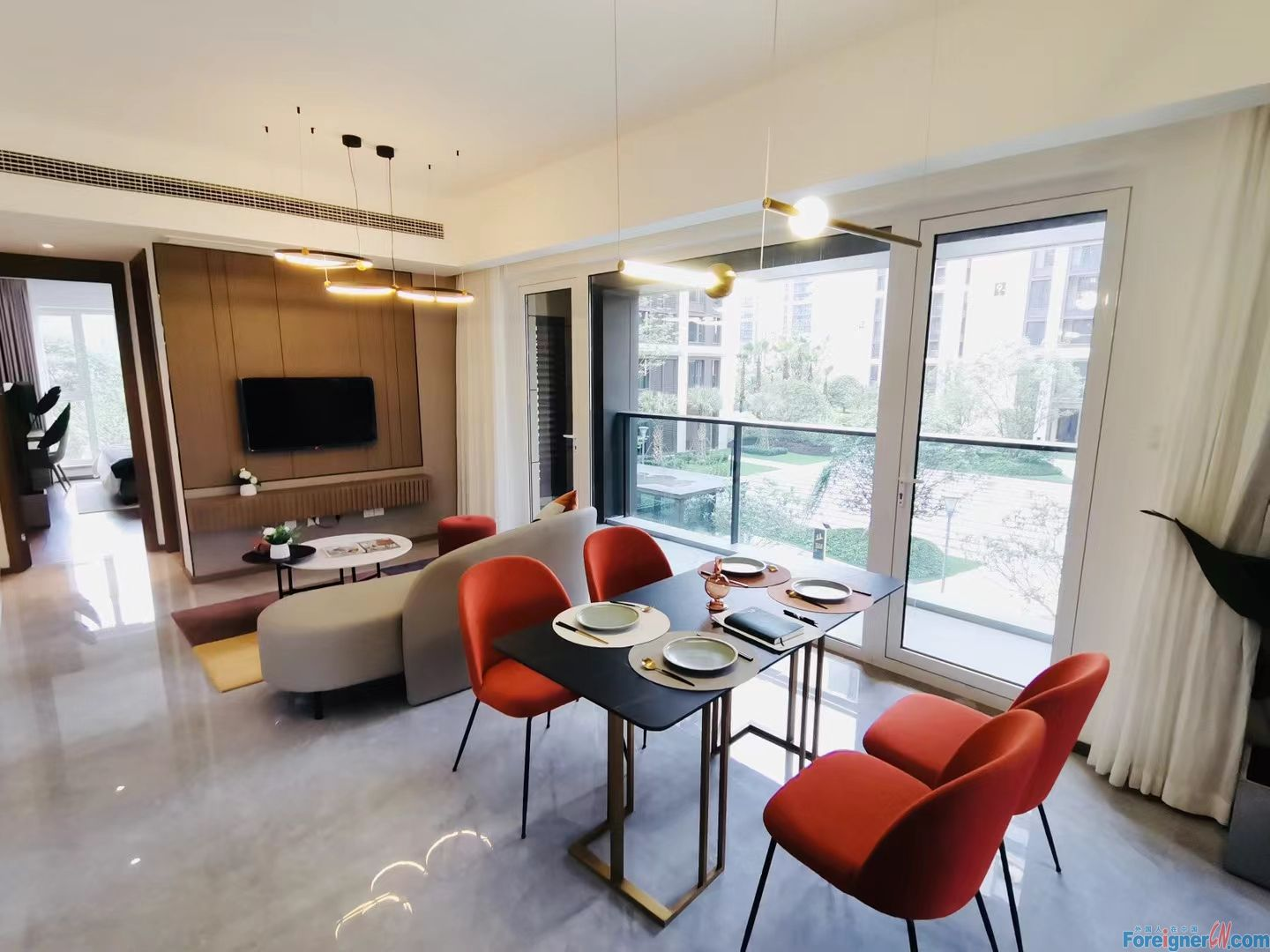 Single Apartment in Qiang Jiang New Town CBD for rent