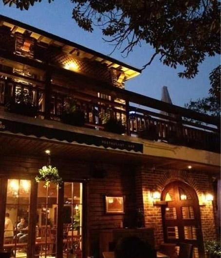 Amigo Restaurant & Bar-1